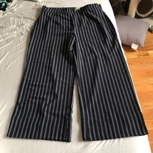 Black and White Pin Striped Pant